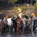 雙峰祭の名物イベント『松美記念』!筑波大生が池の中を走りまわるイベントを紹介!!